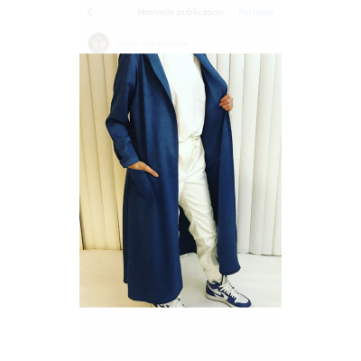 Gilet-bleu-capuche