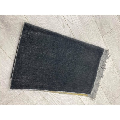 Prayer carpet gray