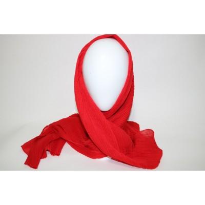 Foulard rouge plisse